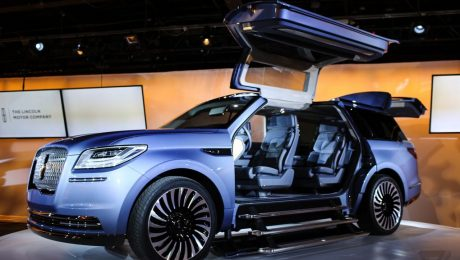 Images of Lincoln Navigator, New York Auto Show 2016