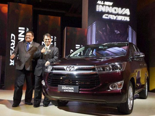 toyota receives 15 000 bookings for innova crysta under 10. Black Bedroom Furniture Sets. Home Design Ideas