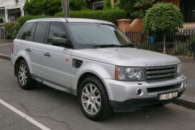 2005_Land_Rover_Range_Rover_Sport_(L320_MY06)_TDV6_wagon_(2015-12-07)_01