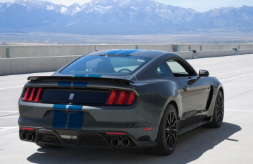 ford shelby gt350 mustang wins 2017 kelley blue book best resale