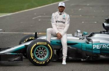 Mercedesu0027s New Car Debut At Silverstone, Lewis Hamilton Thrilled With New  Mercedes F1 Car
