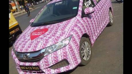 Lover arrested after decorating his car with Rs. 2000 ($30) notes for his girlfriend as a gift for Valentine's Day