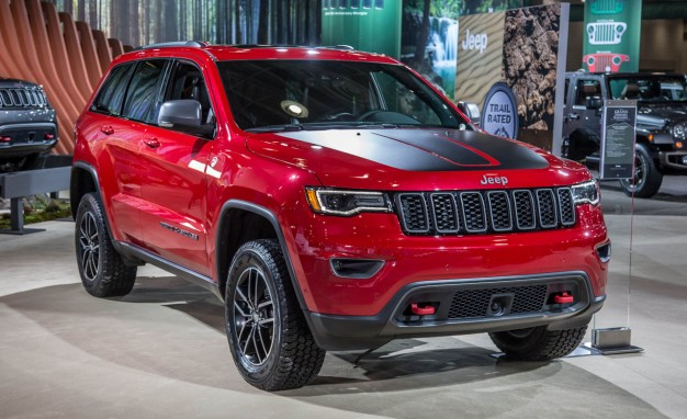 jeep grand cherokee trackhawk is the fastest and most powerful suv. Black Bedroom Furniture Sets. Home Design Ideas