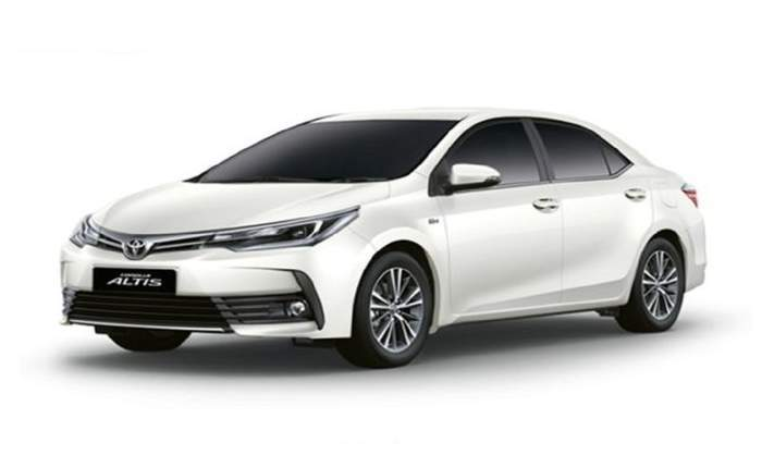 Toyota To Recall 23 157 Corolla Altis In India Concerning