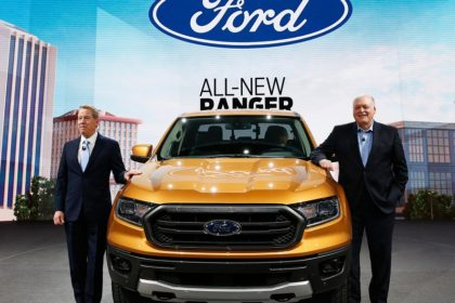 Jim Hackett and Bill Ford presents 2019 ford ranger during the ford press january 14 2018