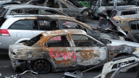 France car burning
