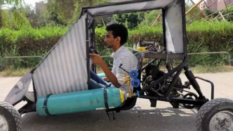 Car that run on air created by Egyptian students