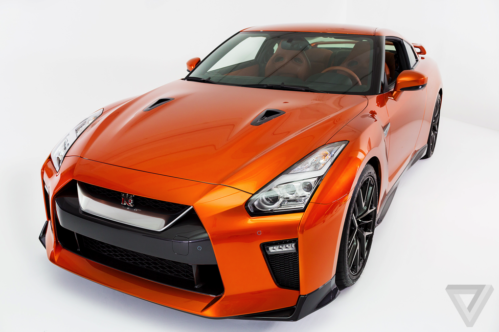 Images of Nissan GT R, New York Auto Show 2016