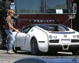 Keith Urban with his Bugatti Veyron at Nashville