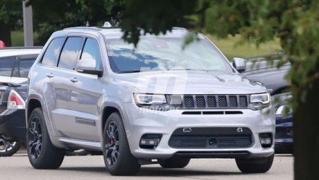 2018 jeep grand cherokee trackhawk spied