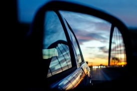 rear-mirror-1119717_960_720