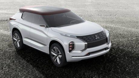 3 motor Mitsubishi GT PHEV Concept