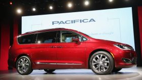Fiat Chrysler Pacifica images