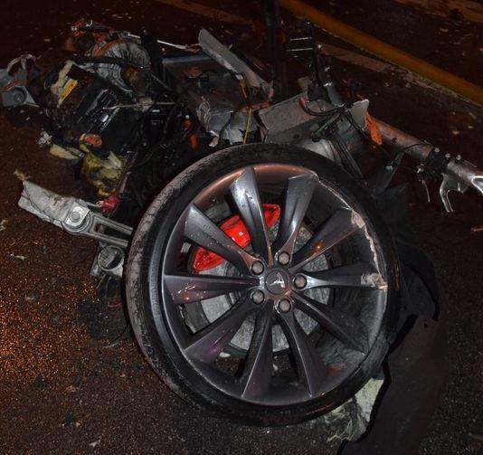 Tesla crash in Indianapolis