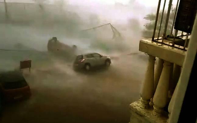 Car in Cyclone Vardah
