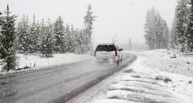 car driving in winter