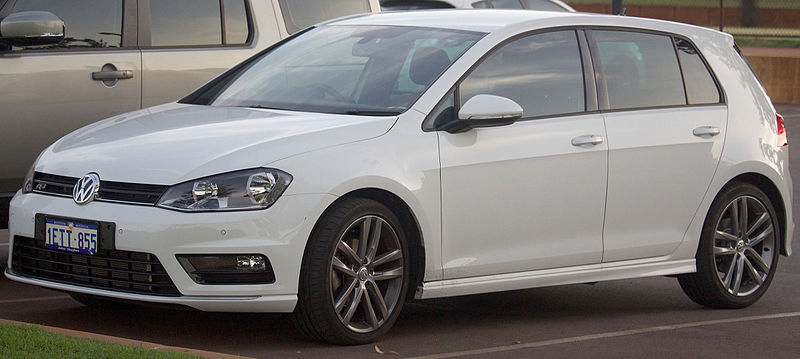 2015 Volkswagen Golf R Line S door hatchback