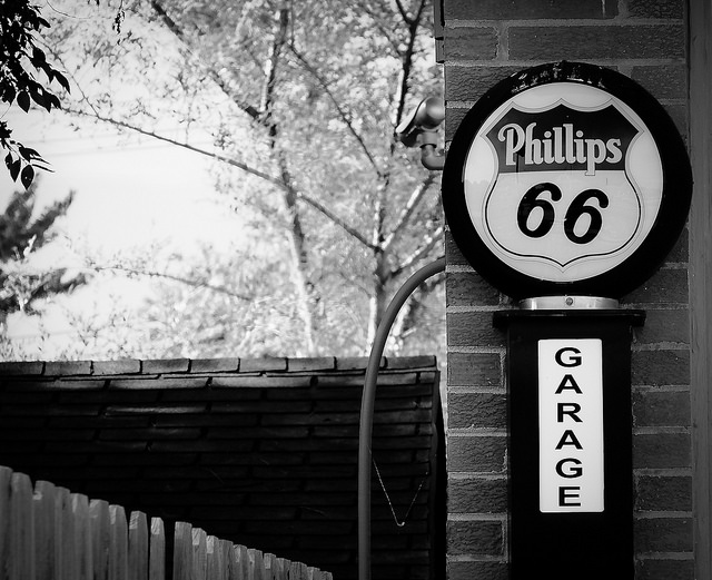 Phillips 66 Garage
