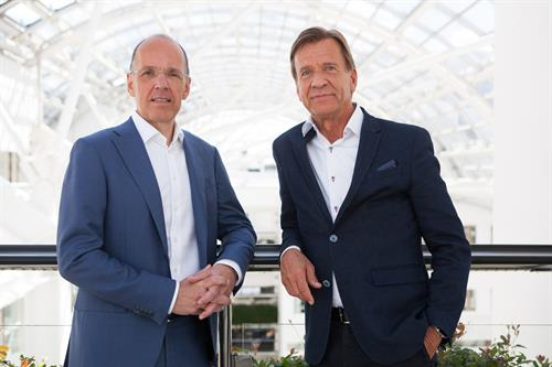 Jan Carlson, CEO of Autoliv with Håkan Samuelsson, CEO of Volvo Cars