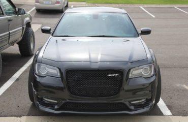 Chrysler 300 SRT images