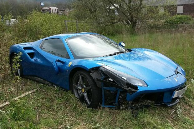 Ferrari 488 GTB crashed