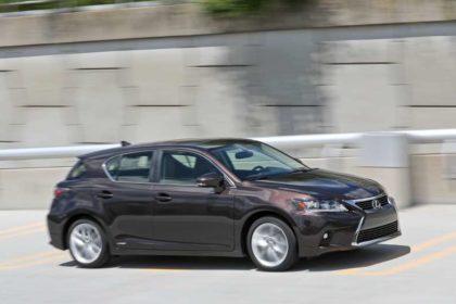 Lexus CT200h images