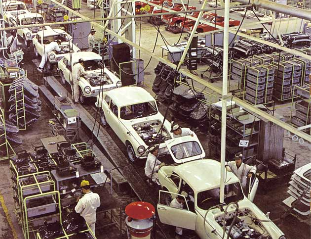 The S600 Coupe on the assembly line at Sayama Factory