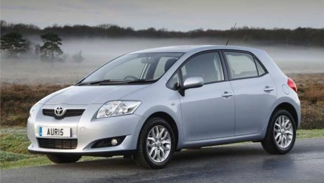 Toyota Auris images