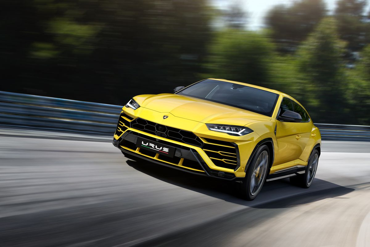 Lamborghini Urus revealed on December 2017