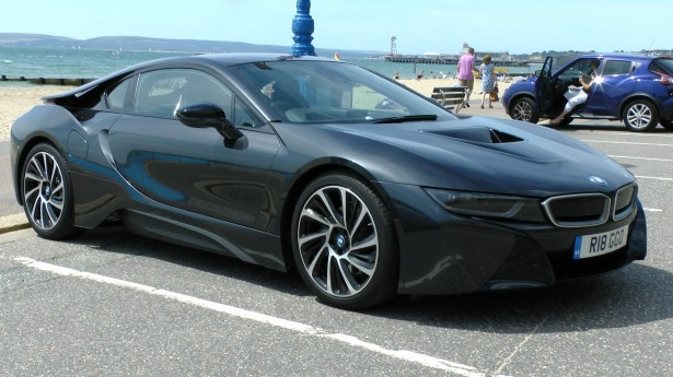 BMW I8 luxury car