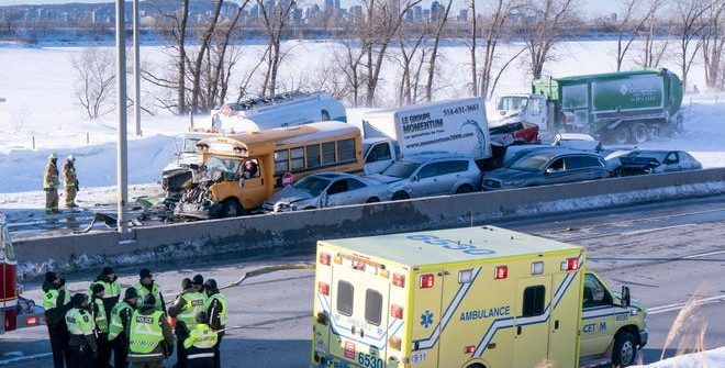 Canada, Quebec, multi vehicle crash