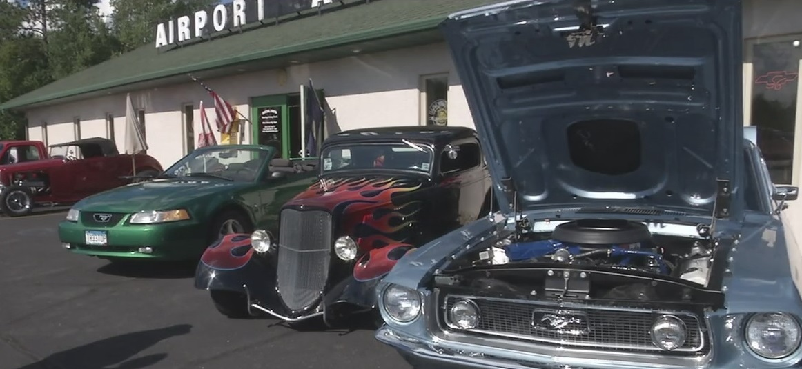 Duluth airport car show