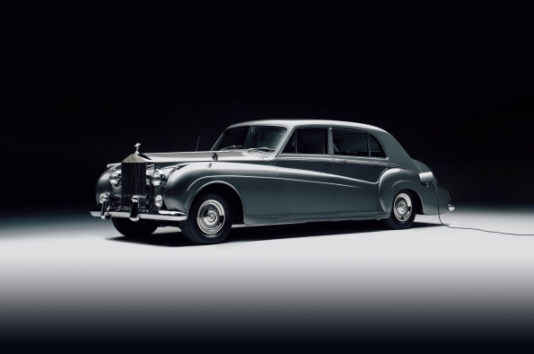 Lunaz unveils first electric classic Rolls-Royce cars