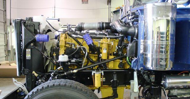 Caterpillar CAT C18 Engine