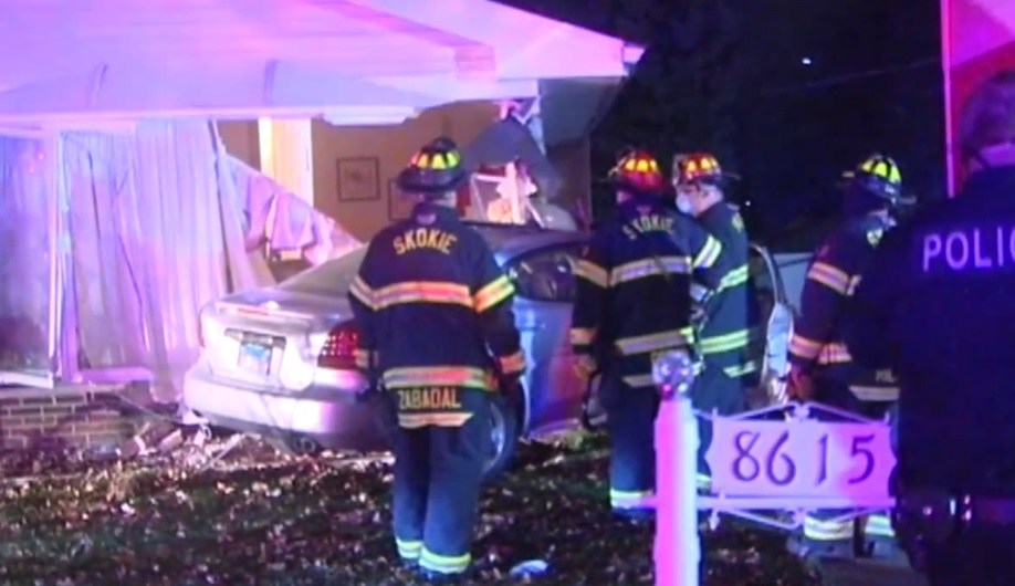 car crashes into Illinois home