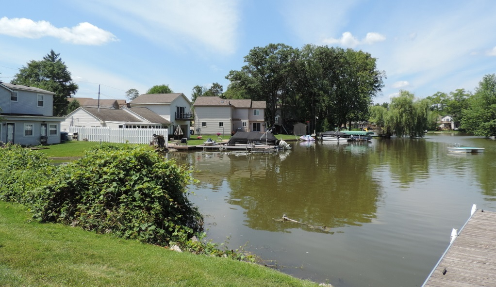 Oakland county lake, Pontiac Michigan
