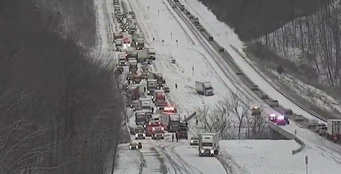 Car pileup in Lake County highway, Cleveland