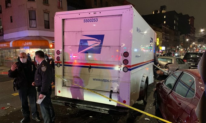 woman steals mail truck in Brooklyn, NYC and crashes