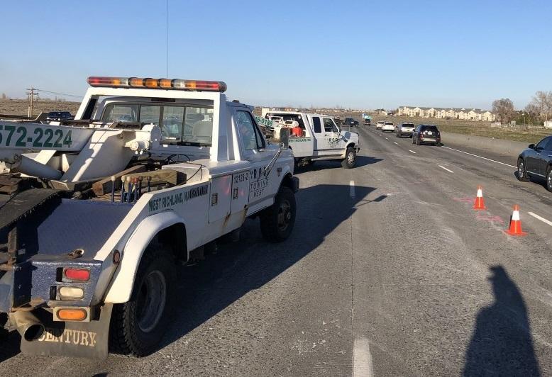 6 car crash in I-182, Washington