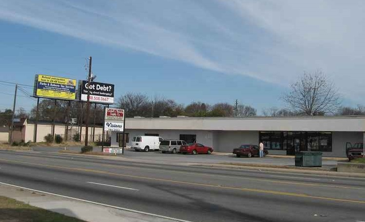 Pio Nono Avenue, Macon, Georgia