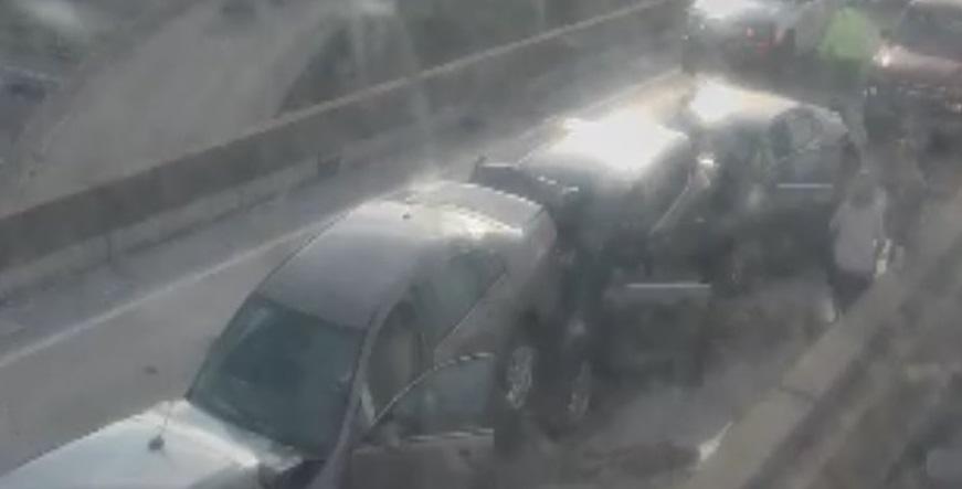 5 car crash in Poplar Bridge, St. Louis