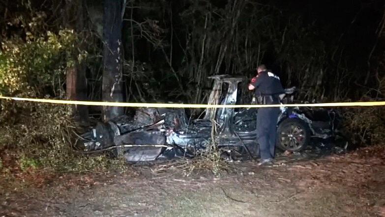 car crash involving Tesla, Texas