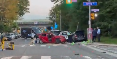 multi vehicle crash in Spring and Parkside drives, Toronto